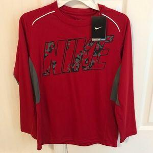 NWT Boys Size Large Nike Long Sleeved Shirt